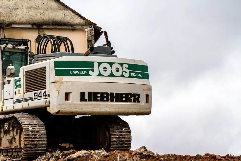 Abrissarbeiten in der Berliner Allee in Freiburg. (Foto: Carlotta Huber)