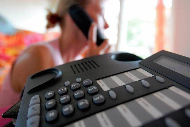 Mehr Schutz für Telefonkunden vor überteuerten Warteschleifen
