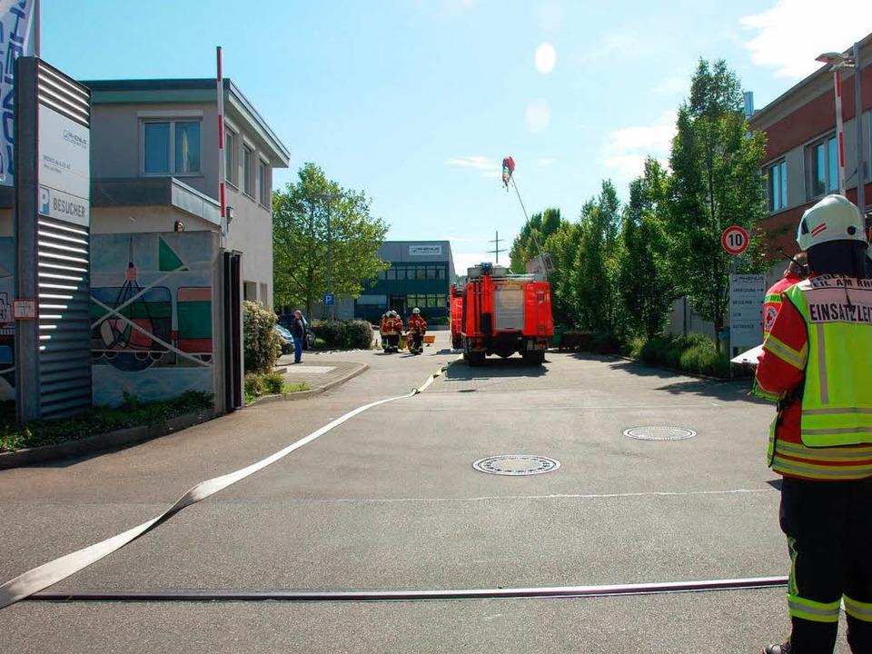 Feuerwehreinsatz im Rheinhafen  | Foto: Herbert Frey