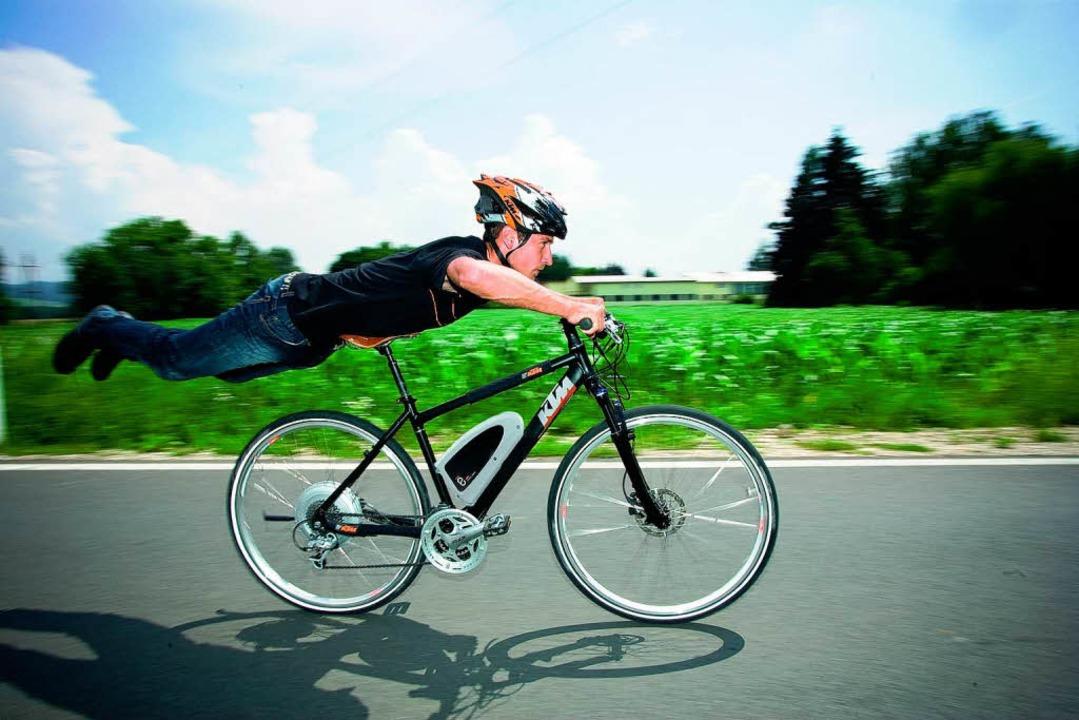 Kann einen mit seiner Geschwindigkeit auch mal überraschen: das Pedelec.  | Foto: ktm
