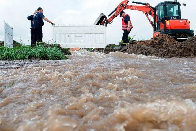 Kampf gegen Wassermassen in Teilen Deutschlands