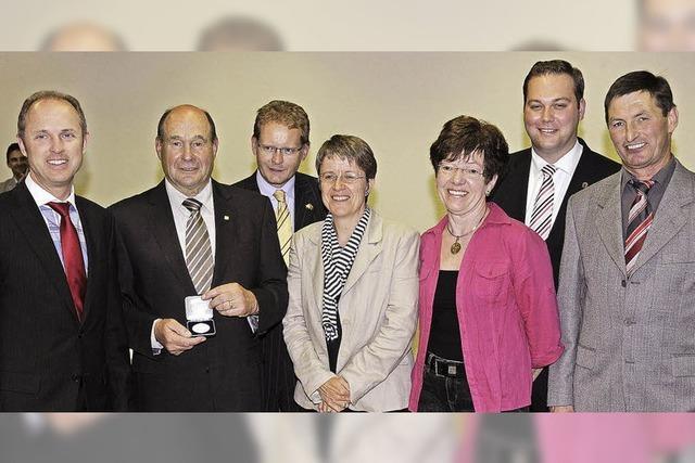 Ehrenplakette für Hermann Majocko