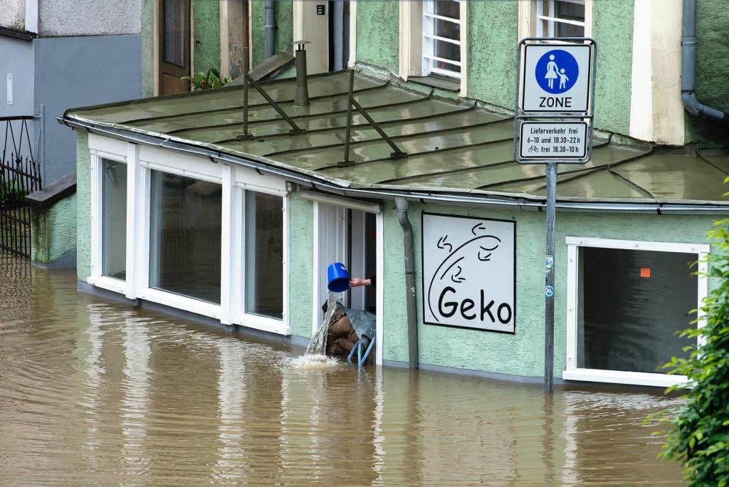 hochwasser katastrophenalarm in passau und rosenheim panorama badische zeitung. Black Bedroom Furniture Sets. Home Design Ideas