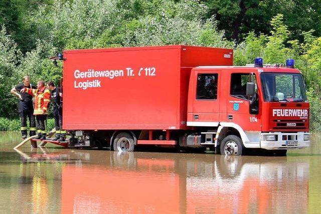 Schießanlage bei Bremgarten unter Wasser: Feuerwehr bemüht sich um kontrollierten Abfluss