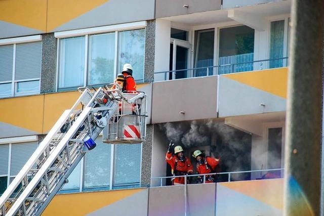 Hochhausbrand schnell unter Kontrolle