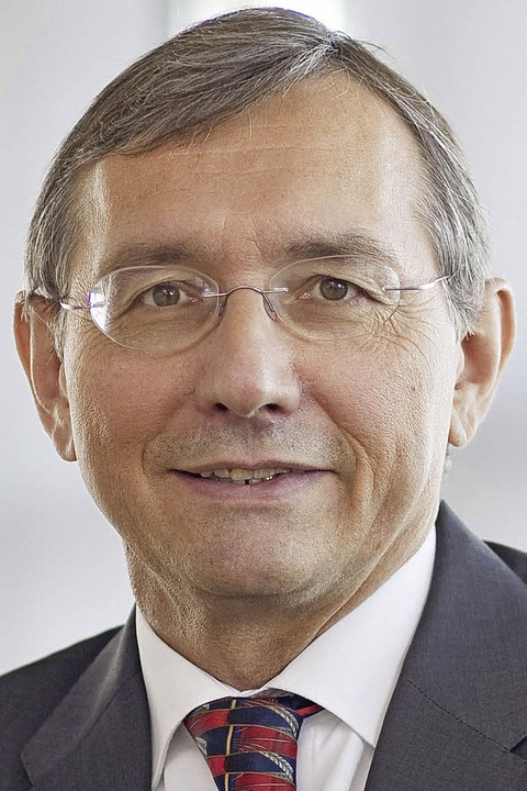 Das Führungstrio der Haufe-Holding (vo...arkus Reithwiesner und Birte Hackenjos  | Foto: haufe (2)/Roger Koeppe