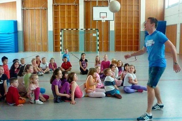 Kicken in Kuhbach mit Sascha Riether