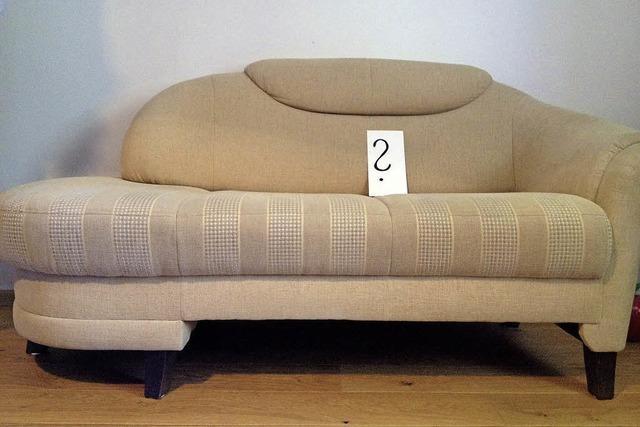 Die spinnen, die Römer: Luigi, das Sofa, wohnt jetzt hier