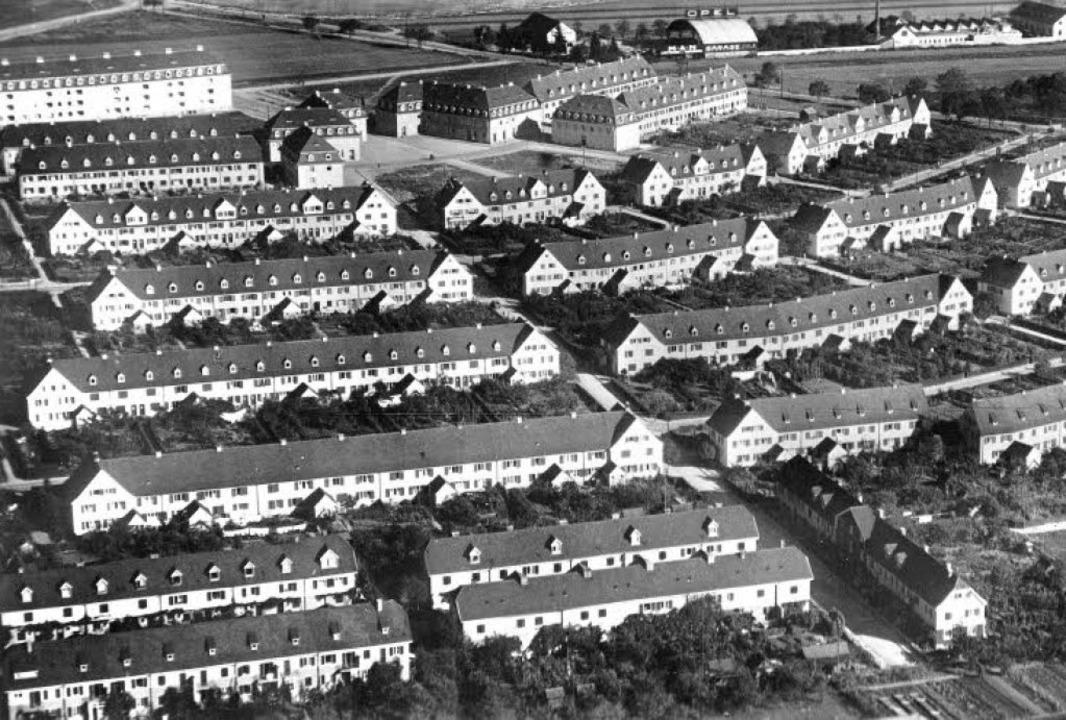 Die Haslacher Gartenstadt auf einer hi...er Basler Straße (heute: Baden-Auto).   | Foto: Archiv Sigmund