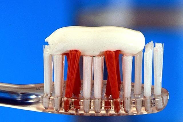 Zahncreme: Wie riskant ist der Bakterienhemmer Triclosan?