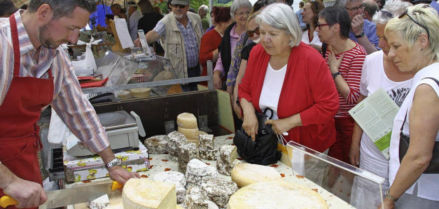 Das Angebot der Käserei Christlesgut a...n allerlei Varianten gab es außerdem.   | Foto: Silvia Faller