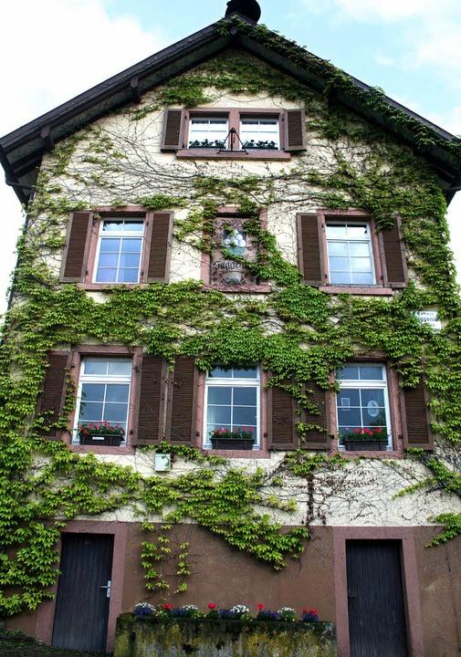Das ehemalige Rathaus in Suggental, in... und soll auch nicht erneuert werden.   | Foto: Heiss