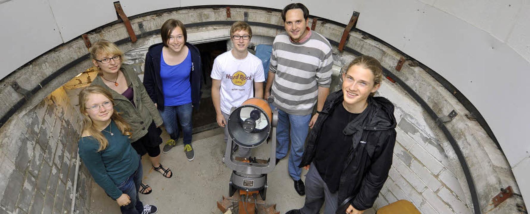 Mit der Astronomie verkuppelt: Janina ...op Celestron 8 noch gute Dienste tut.   | Foto: Michael Bamberger