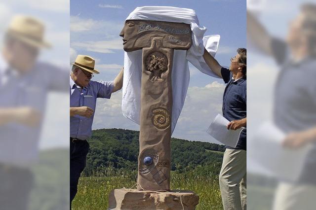 Neue Steinskulptur auf der Schelinger Höhe