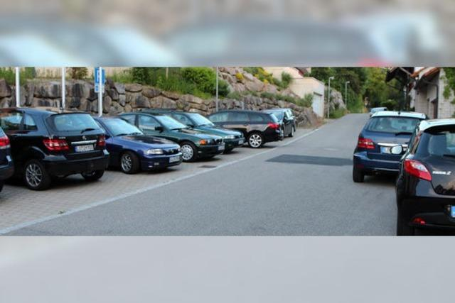 In Rage wegen fehlender Parkplätze