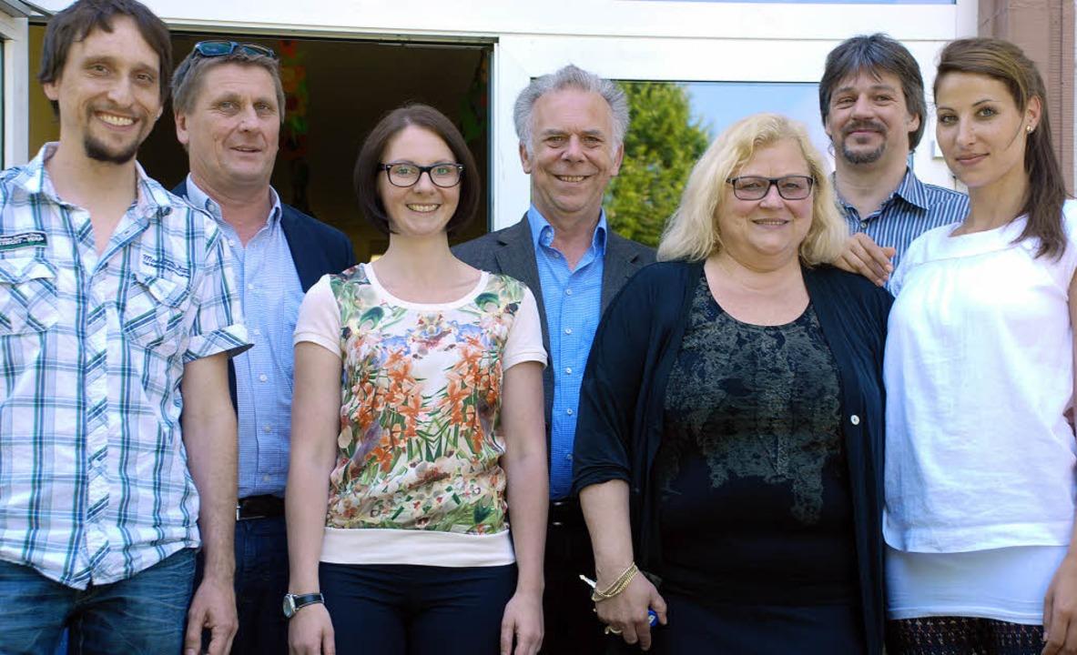 MdL Sandra Boser (Dritte von links) zu...rtenau (BRO) und Lehrerin Sarah Kruss   | Foto: gertrude siefek