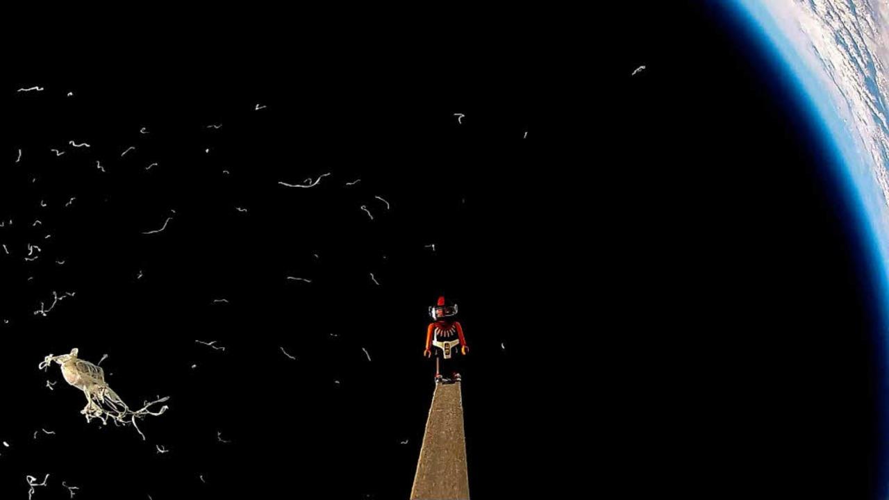 Kawumm! – Die Latexhülle des Bal...tzt in geschätzten 32 Kilometern Höhe.  | Foto: Tagesschule Elementa