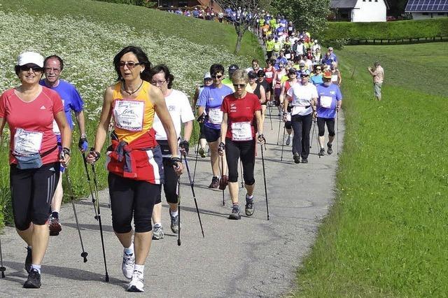 648 Teilnehmer starten beim neunten Nordic-Walking-Gipfel in Breitnau