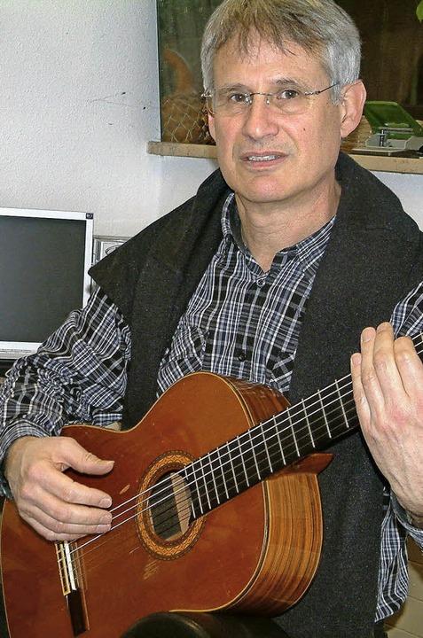 Spielt genauso gerne Klassik wie Rock und  Folk: Musiklehrer Michael Reidick.   | Foto: Roswitha Frey
