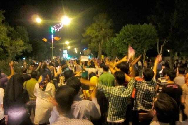 Präsidentenwahl: In Isfahan feiern Tausende den Wahlsieger