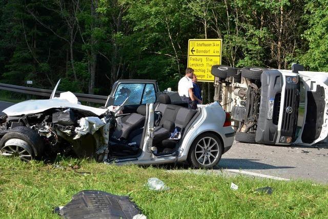 Schwerverletzter Autofahrer bei Schattenmühle