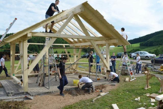72-STUNDEN-AKTION: Ein Holzhaus im Uhlsbach