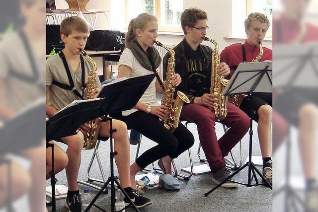 SWR-Big-Band spielt mit Schülern