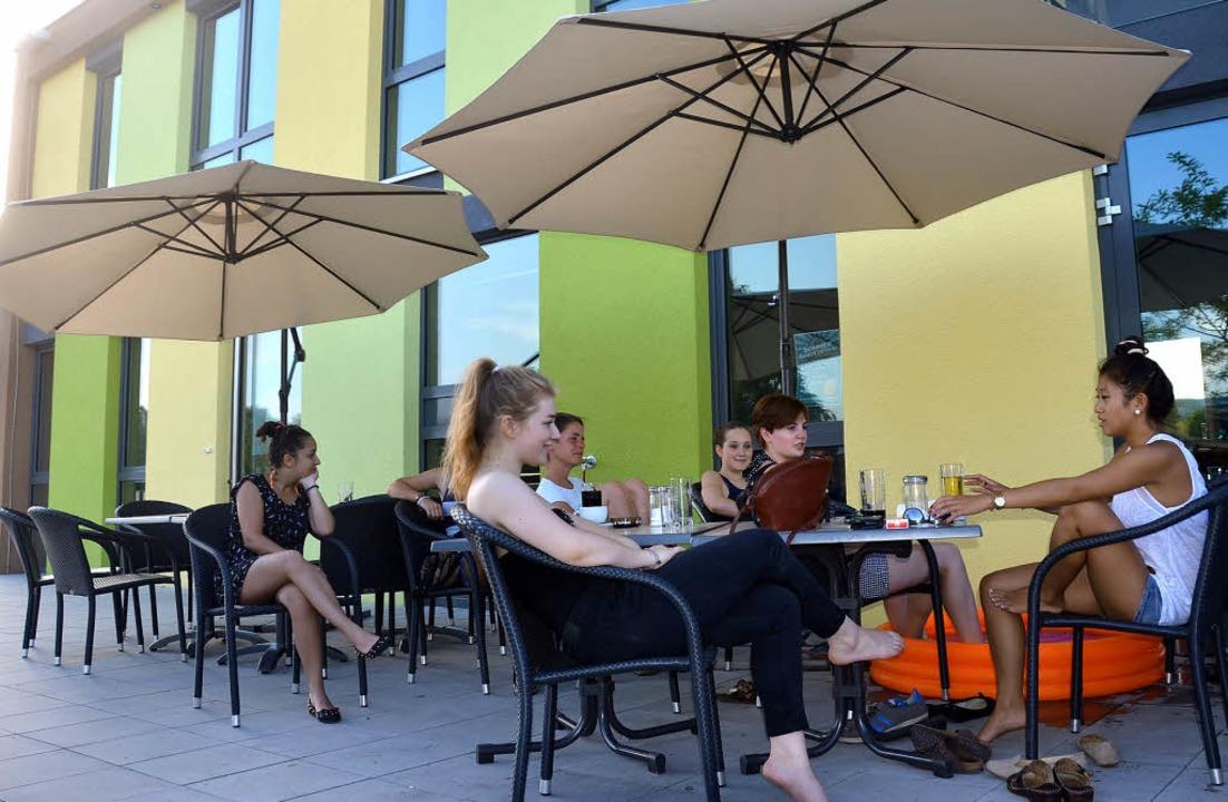 Die Jugend kommt gerne ins Jugendhaus,...  seit Juni auch bis Mitternacht auf.   | Foto: Ingrid Böhm-Jacob