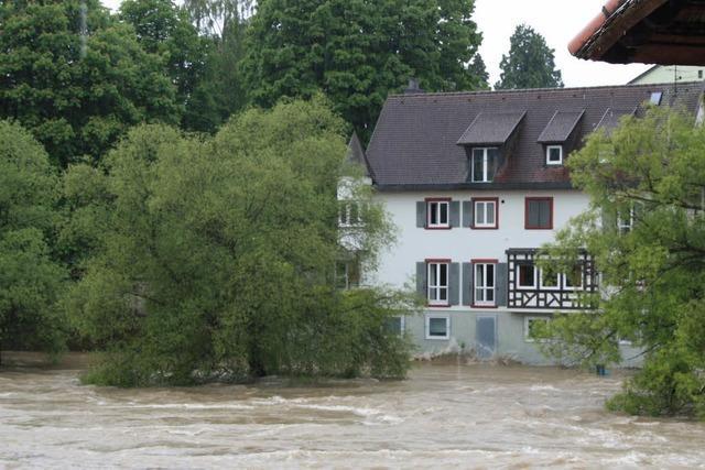 Polizeiauto versinkt im Rhein