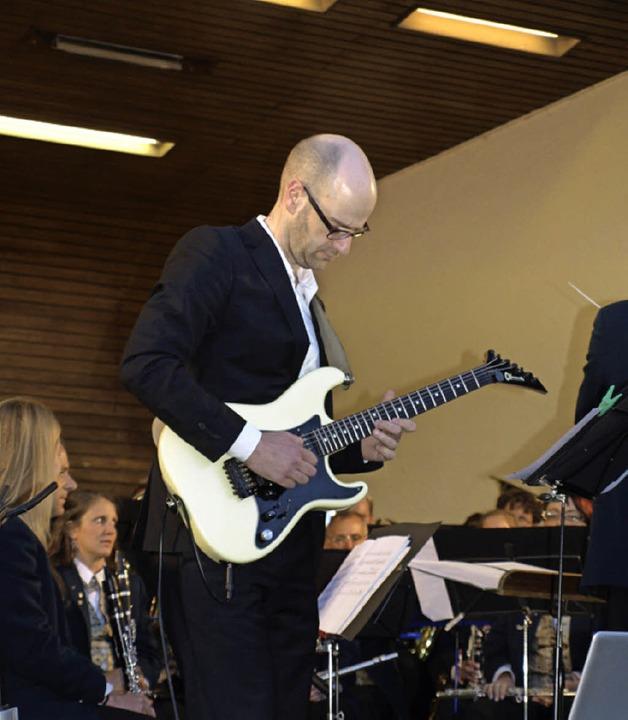 Stadtmusik Neustadt mit Solist Tobias Schwab aus Eisenbach    Foto: Marion Pfordt