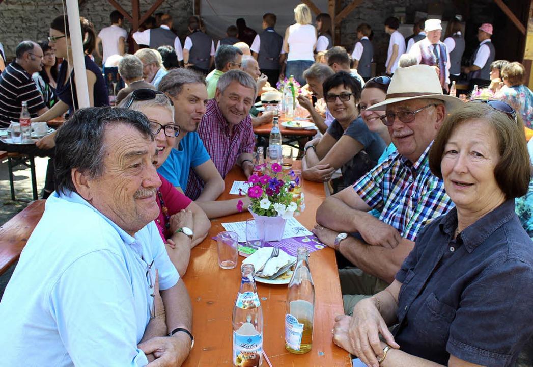 In gemischter Besetzung nahmen Vereins... und Gottenheim Platz beim Musikhock.   | Foto: mario schöneberg