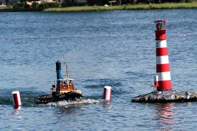 Schiff ahoi! Wenn Boot und Leuchtturm schwanken