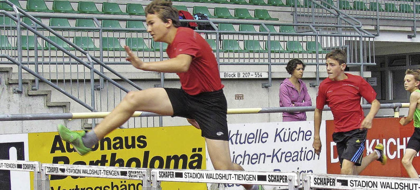 Schnellster über die 60 Meter Hürden: Kevin Denz vom TV Bad Säckingen   | Foto: Claudia Marchlewski