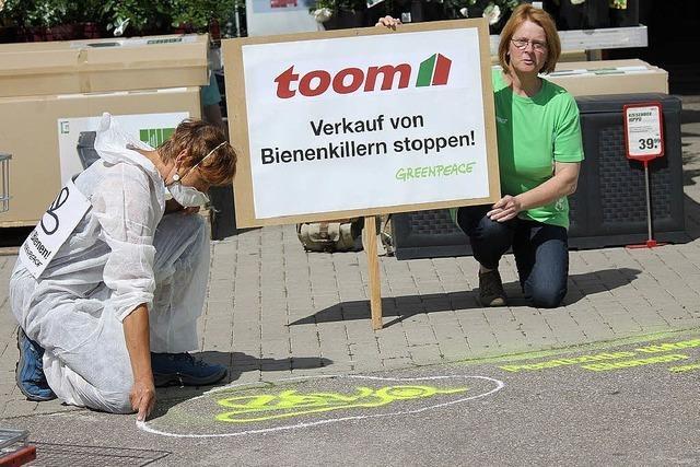 Greenpeace-Protestaktion vor dem Toom-Baumarkt