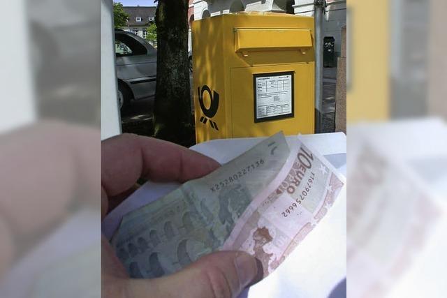 Postzusteller soll sich bedient haben