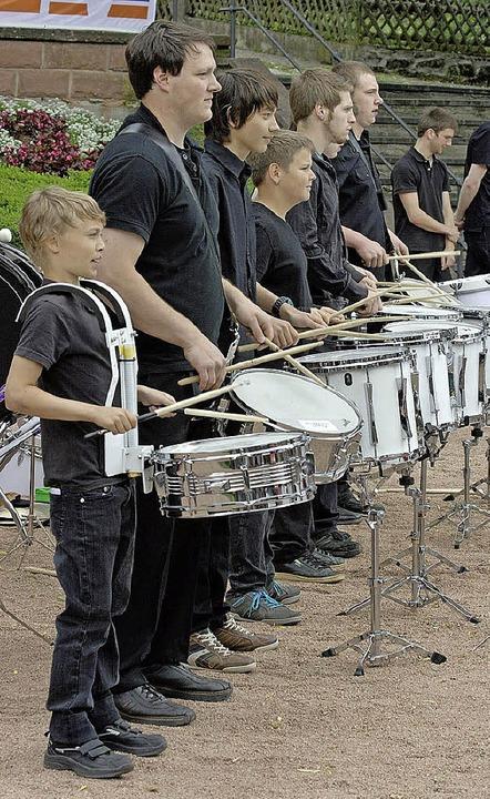 Die Durmline der Jugendmusikschule füllte die Pausen zwischen den Auftritten.   | Foto: Privat