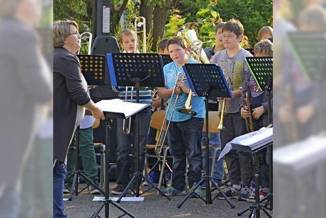 Jugend-Musik-Festival auf dem Hof der Friedrich-Ebert-Schule
