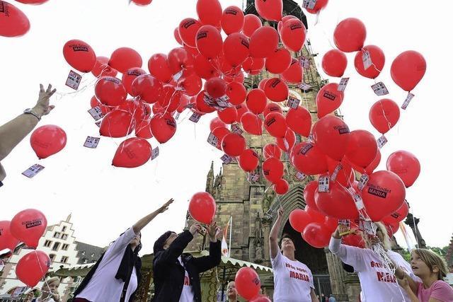 Rote Luftballons für Maria