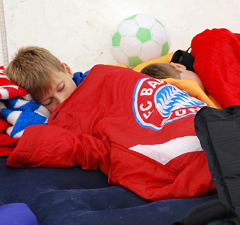 Fern der heimatlichen Hütte schläft sich's auch ganz gut.  | Foto: Edgar Steinfelder