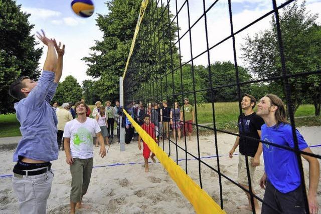 Neuer Beachvolleyballplatz: Strandatmosphäre in Weingarten