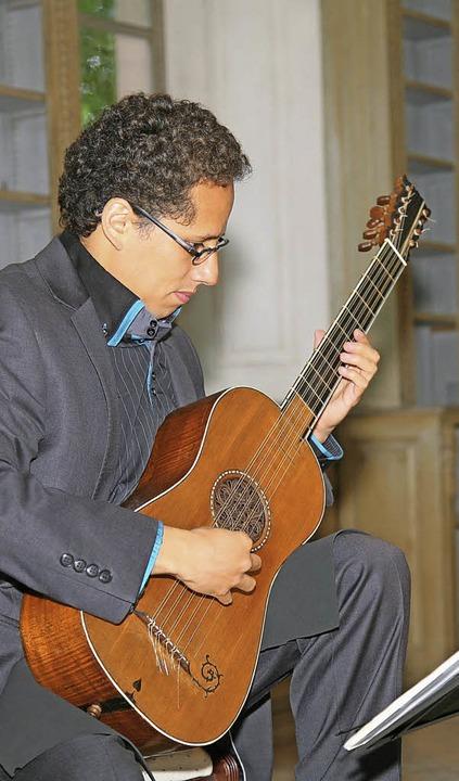 Der Star in Altdorf war die Stradivari-Barockgitarre.     Foto: Decoux-Kone