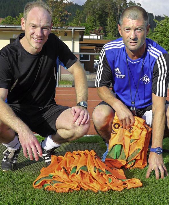 Leibchen-Zähler:  FCN-Cheftrainer Andr...nd sein neuer Co-Trainer Oliver Mahler  | Foto: Johannes Bachmann