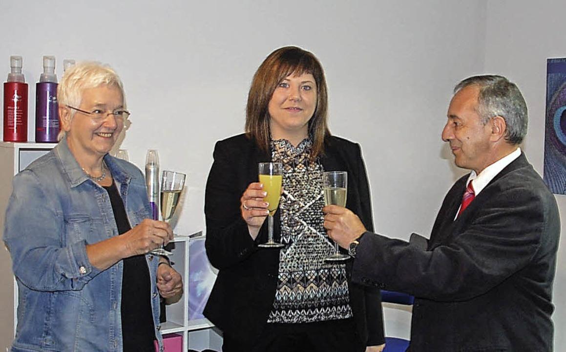 Bürgermeisterstellvertreterin Doris Da...erten Nicole Schnitzler zur Eröffnung.  | Foto: Schimanski