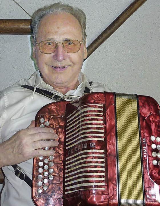 Manfred Stöckel spielt jetzt Akkordeon.    Foto: Karlernst Lauffer