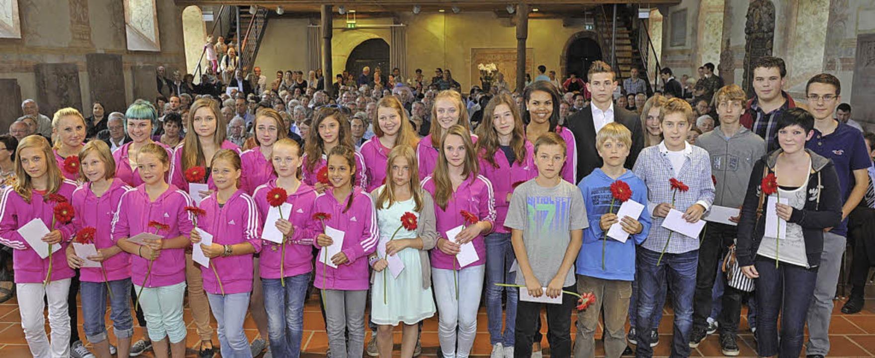 Junge Sportler   wurden für besondere  Leistungen geehrt.  | Foto: volker Münch