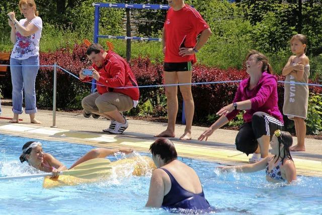 Das Freibad als Spielwiese für Jung und Alt