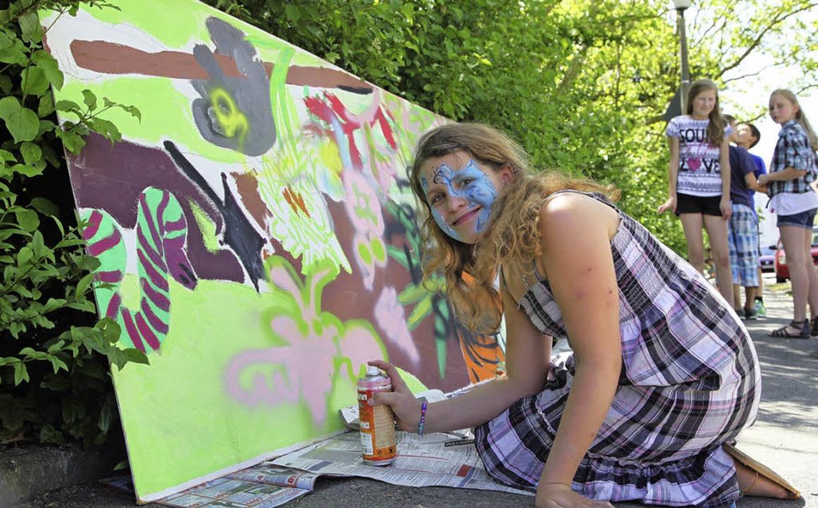 Graffiti erwünscht: Beim Schulfest der...eber-Schule kam keine Langeweile auf.   | Foto: privat
