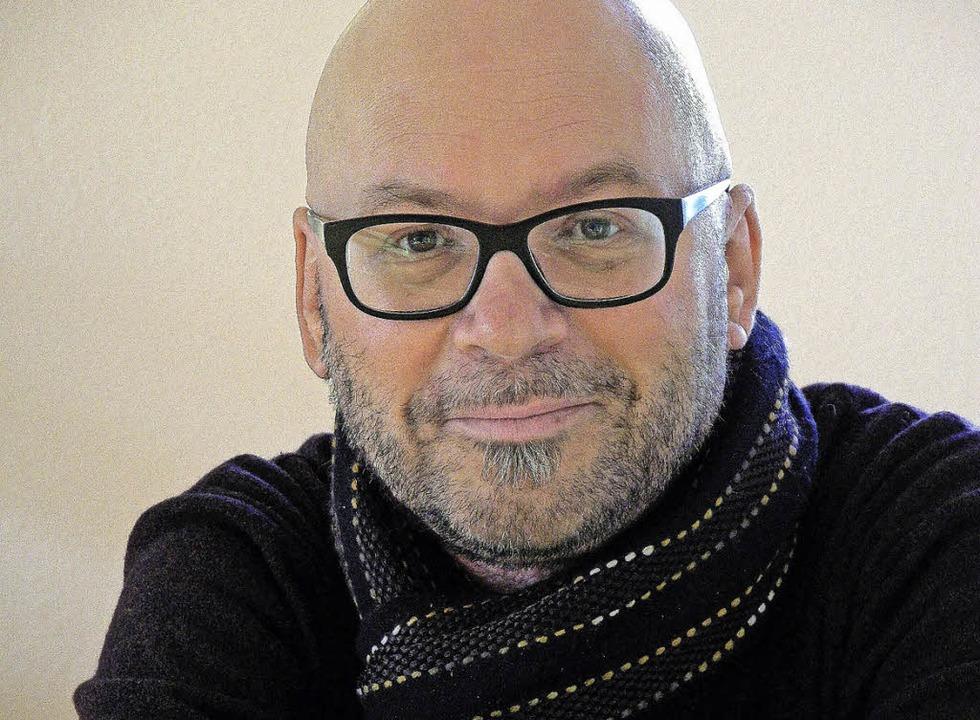 Stefan Nink ist Reiseschriftsteller un...gen liest er aus seinem ersten Roman.     Foto: Veranstalter