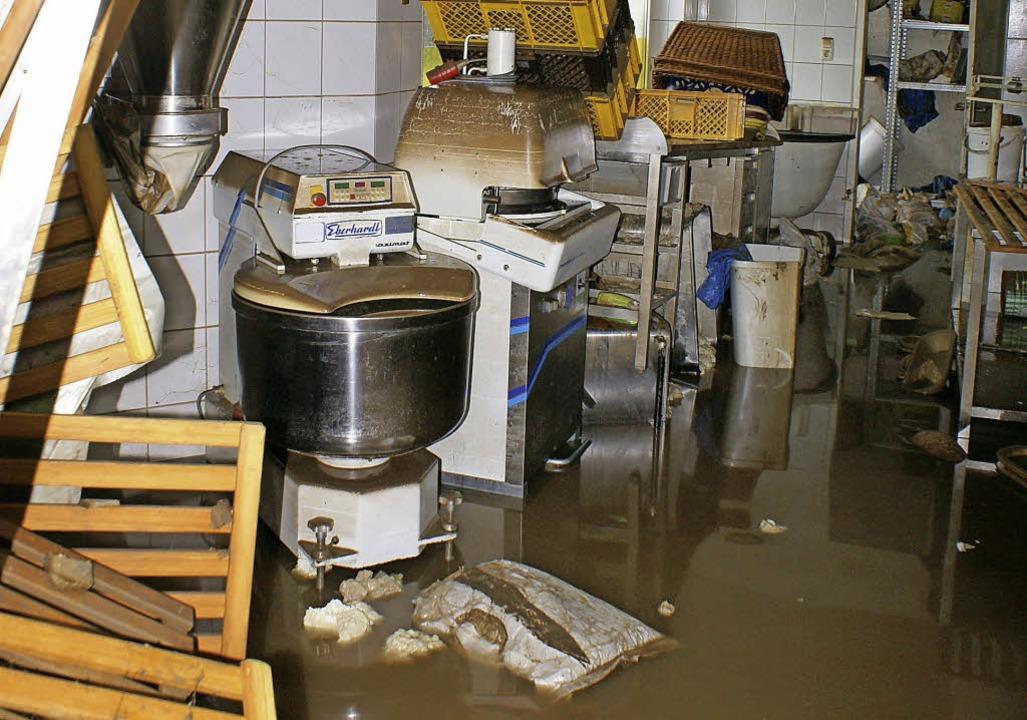 Wasser und Chaos, so sieht es derzeit ... von links) zudem einen Schlaganfall.   | Foto: privat