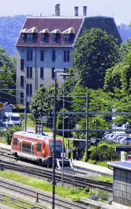 Entwurf gesucht: Das Waldshuter Rheins...fsgeländes und dem Gleis zur Schweiz.   | Foto: GERARD